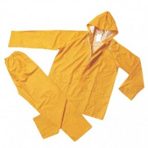 PVC rain coat. R135,00.  400,00MT.   40,  USD